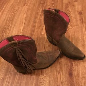 NWT Ariat western cowboy boots shoes size 4.5